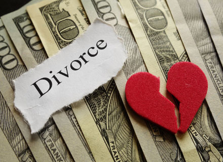 How Is Alimony Determined in a Michigan Divorce?